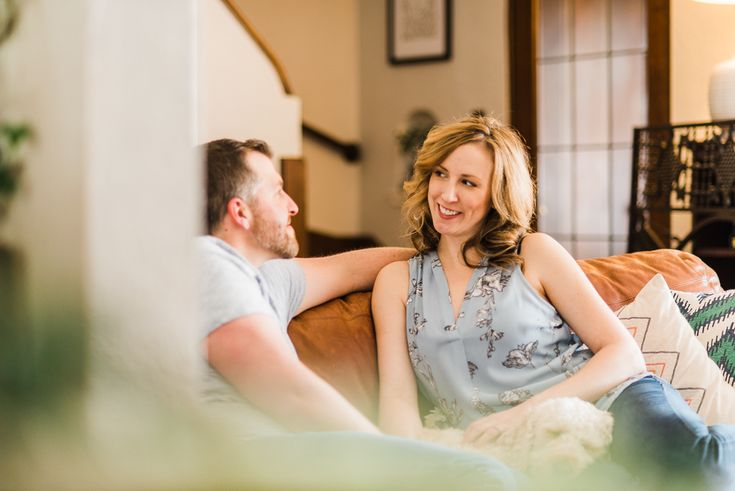 Lifestyle Maternity Session at Home   Milwaukee, Wisconsin   Lish Marie Photography