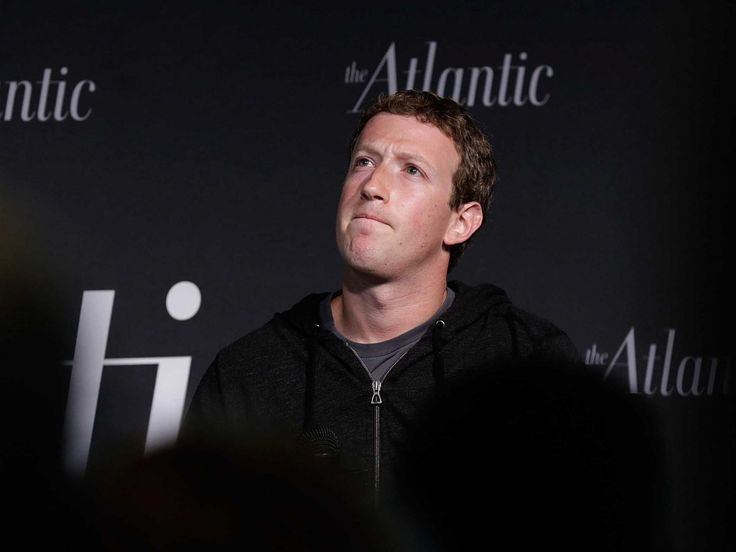 Mark Zuckerberg Reveals Why You Were Forced To Download Facebook's Separate 'Messenger' App