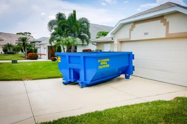 Rent A 10 Yard Dumpster For Residential Purpose Keep The Environment Clean Waste Services Dumpster Yard