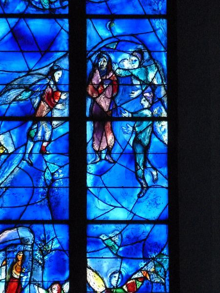 File:Chagall-Fenster in St. Stephan, Mainz 05.jpg - Wikimedia Commons