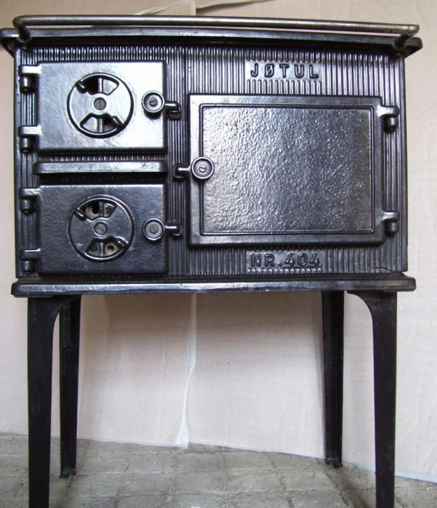 73 best images about wood stove on pinterest for Decorative rocket stove