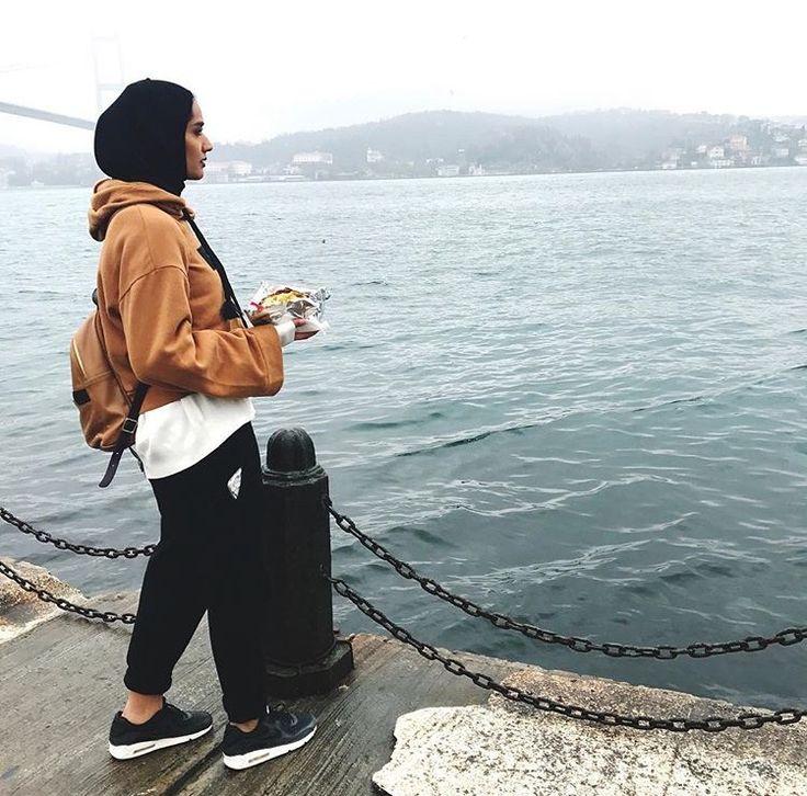 Hijab + Sweats + Athleisure (mthayelalali)