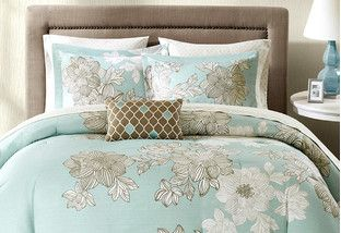 Whether you're getting eight hours of beauty rest or watching an all-night movie marathon, you spend a lot of time snuggled under the covers. Treat yourself to a bedding upgrade with deals on everything from colorful coverlets to soothing gray and blue comforter sets.http://www.wayfair.com/daily-sales/Budget-Friendly-Bedding~E14975.html?refid=SBP.rBAZEVQ9Qkk-qWtPktm8AiKYgBhFi0WtrbXFZY0Lshw