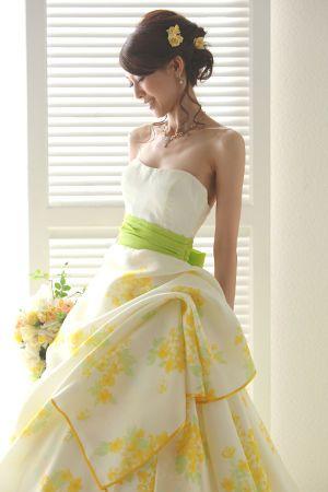 華やかなイエロードレスに合わせたい♡カラードレス・ウェディングドレスに合う髪型まとめ一覧♡