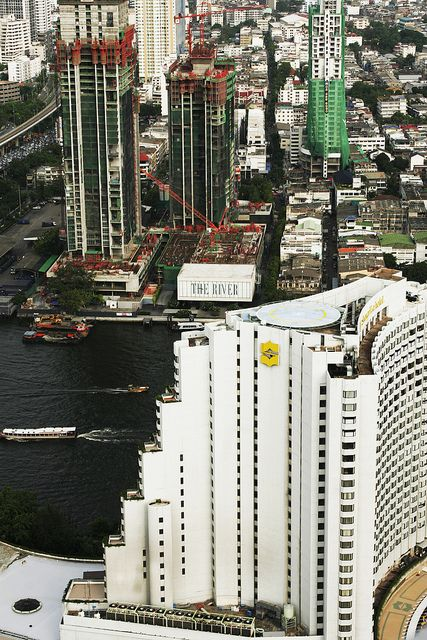 Bangkok, Thailand - by Diego Rios    Bangkok has a tropical wet and dry climate under the Köppen climate classification system. Average temperatures in the city are about 2 °C (3.6 °F) higher than the ones shown for the Don Mueang Airport during the 1960-1990 period.    Photo by DiegoRios.com    Hotel:  view from:  www.lebua.com