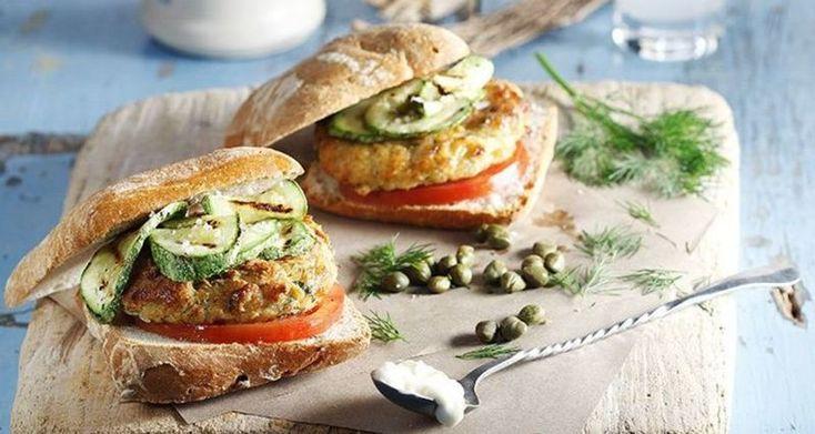 Burgers από τον Άκη Πετρετζίκη. Συνταγές &ιστορίες για τα καλύτερα burgers που έχετε φτιάξει ποτέ σας. Μπέργκερ κλασικό, light, με τόνο ή μανιτάρια; Φτιάξτε τα