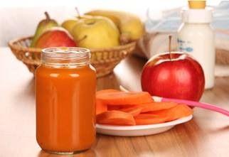 Papilla de manzana y zanahoria para bebés de 6 meses