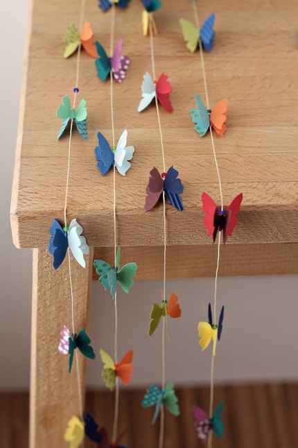 butterfly garland: big plans for this in the play room :): Paper Garlands, Crafts Ideas, Seeds Beads, Paper Punch, Parties Ideas, Baby Rooms, Butterflies Garlands, Diy Projects, Paper Butterflies
