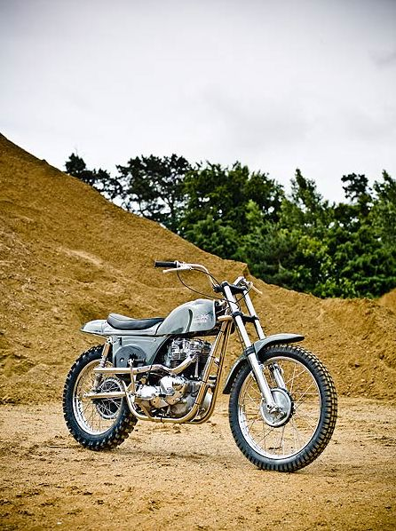 4H10.com Métisse-Motorcycles-Desert-Racer