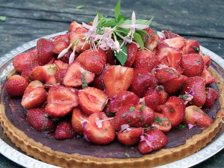 Drömpaj med jordgubbar | Recept från Köket.se