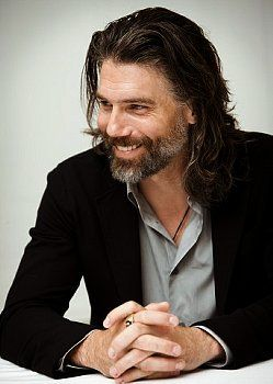 Anson Mount plays 'Cullen Bohannon' on Hell on Wheels. I love the character on his face.