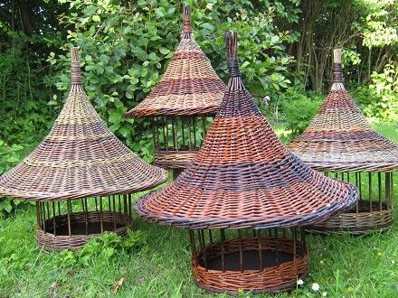 Bird feeders, willow