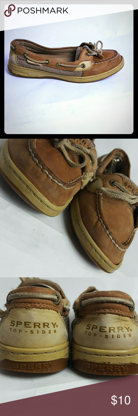??CLEARANCE ??Sperry Top Sider Women's size 8M Condition 7/10, scuffs and small water stains on both shoes, size 8M, they have been loved, but there is still juice in them. I will price them accordingly the flaws. If you have any questions or you want to request more pictures, don't hesitate to ask m Sperry Top-Sider Shoes Flats & Loafers