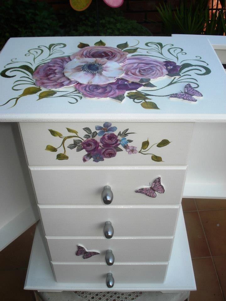 Meral Sanatevi - Handmade - painting -craft house - takı dolabı