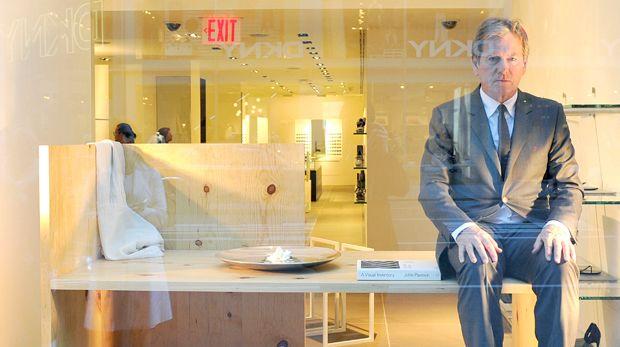 _john pawson  exhibiting himself at ck_store