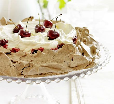 I want to do a pavlova, soon! (Now that it's raining, of course.)
