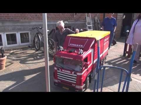 RC Truck Largscale 1:4 (Scania 144 Fiskbæk) - YouTube