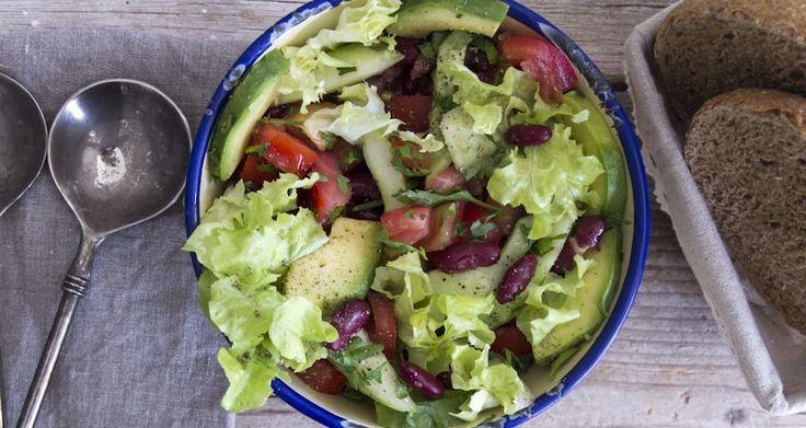 Σαλάτα με αβοκάντο και φασόλια