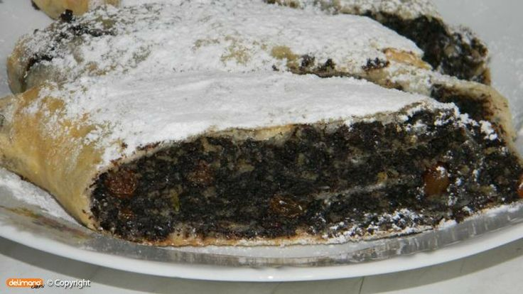 Strudel filled with sweet poppy seed
