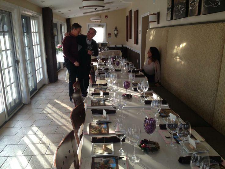 #wineclasstour #wineclass #wine #winelovers #friends #fun #winetasting #foodpairing #oiltasting #deguatazione #SanGimignano #Toscana #Tuscany #Italy #degustazionevino