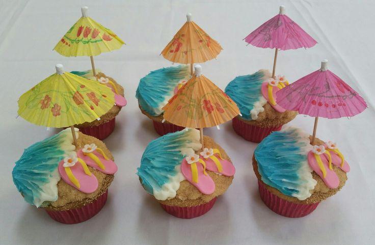 Hawaiian beach umbrella flip flop cupcakes