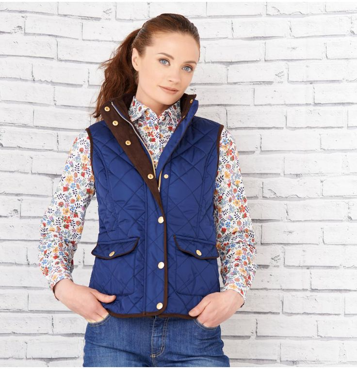 Magee Womenswear Summer Fashion #Style #Fashion #Gilet #Magee #Magee1866 #mageeclothing #summerlook #gold #Navy #Pockets #Print #Shirt #clothing #womenswear #tweed #print #summer