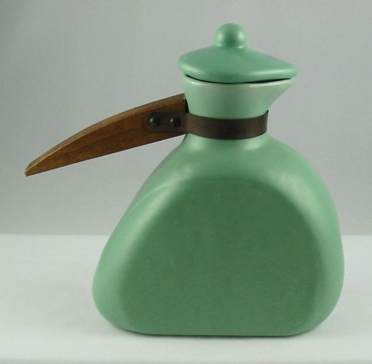 California carafe straight handle - Tudor Art Tile Company 1927-1939 Los Angeles,