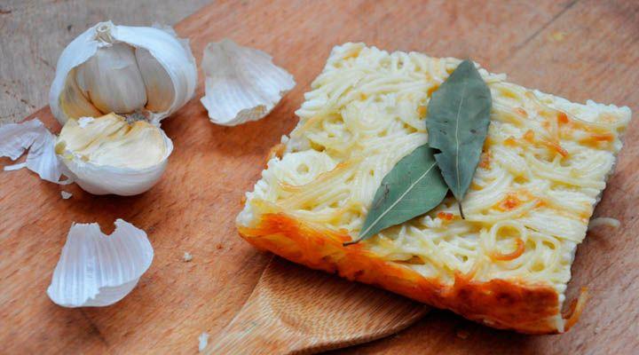 Grandma's Spaghetti and Cheese Casserole | gourmandelle.com