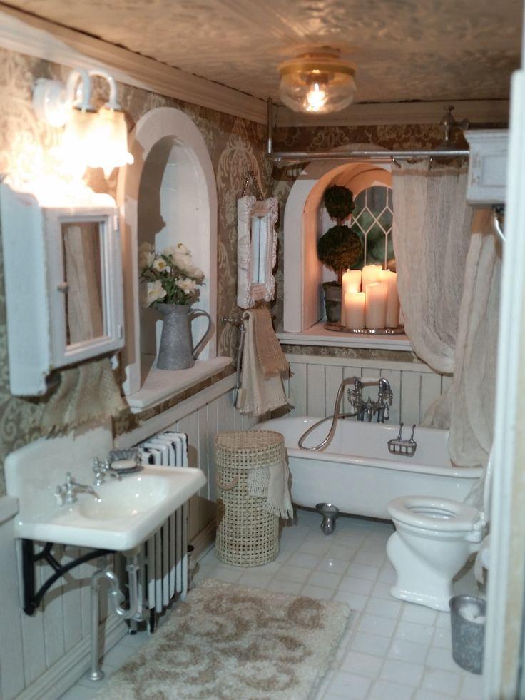 Miniature dollhouse bathroom