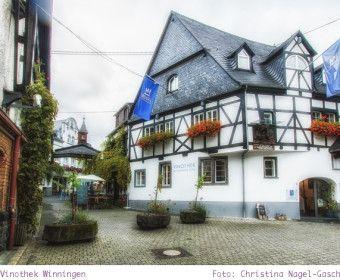 Dieses hübsche Fachwerkhaus steht in Winningen an der Mosel - darin befindet…