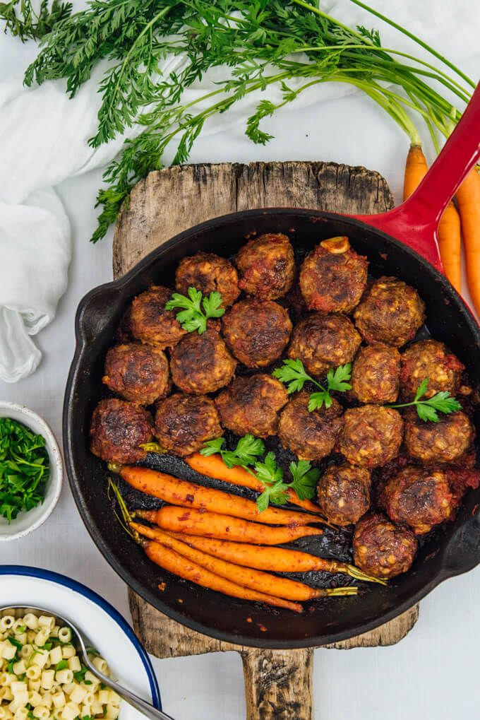 Gluten-Free Honey Garlic Meatballs are juicy, tender and packed with sweet and tangy flavors. Perfect as appetizer or served with veggies as dinner!