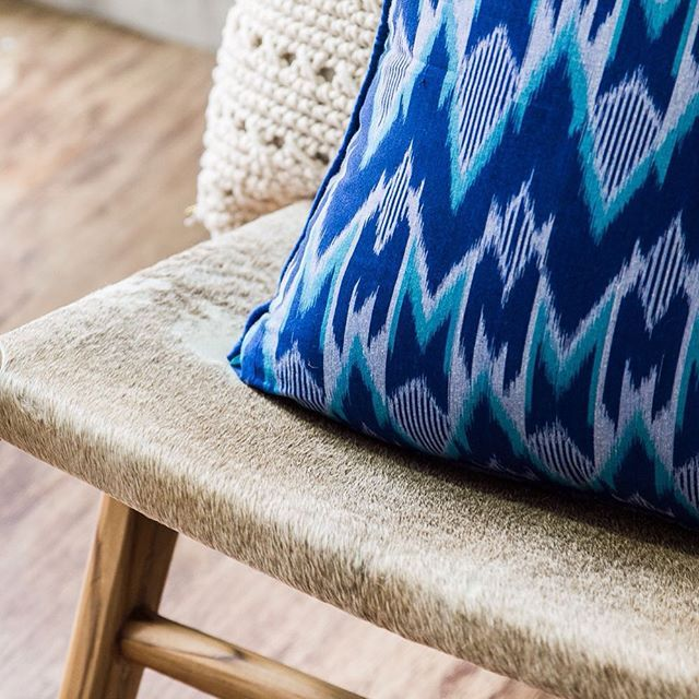 Gorgeous Ikat #ikat #fabric #indonesian #traditional #colour #blue #azure #homestyling #cushion #homedecor #homewares #loslunahome #losluna #popupshop #the4217 #gc #goldcoast #surfersparadise