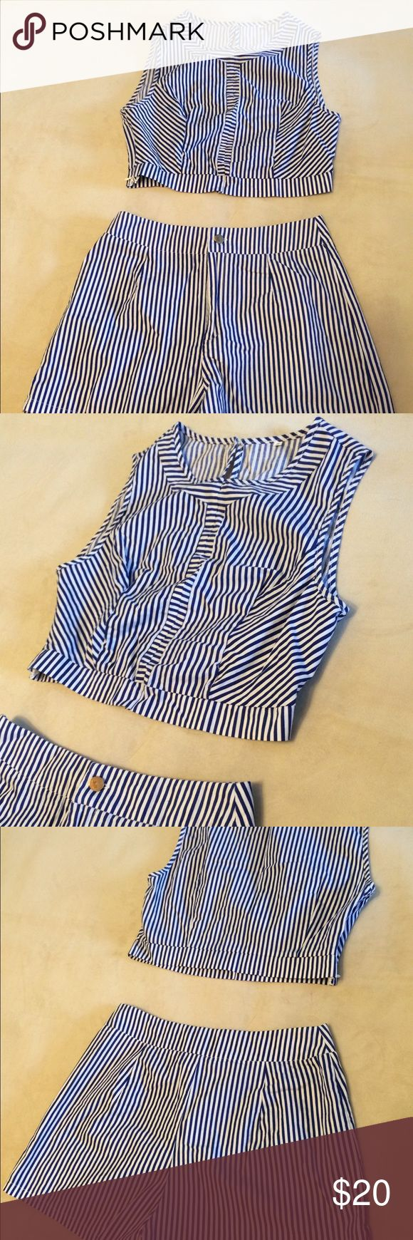🥝🥂✈️Blue and white stripe two piece Thinner material makes it a great option for a hot day---high waisted shorts, cropped top, both pieces have side zippers (invisible); top is an XS to Small and bottoms are a Small😎will split up💋 Shorts Skorts