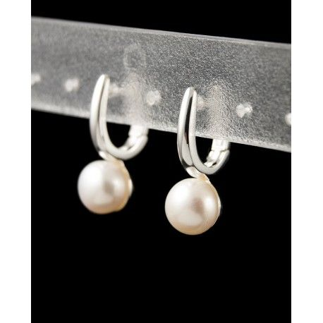 Sterling silver stylish earrings decorated with fresh water pearls
