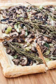 Quick Easy and Heal Quick Easy and Healthy Rosemary Mushroom Tart Recipe! This Vegan Mushroom Tart is so flavorful and simple to make. Eat it as a side entree or cut it into small slices for the perfect appetizer! Vegan and gluten-free if gf puff pastry is used. | VeganFamilyRecipe | #vegetarian #dinner #food Recipe : http://ift.tt/1hGiZgA And @ItsNutella  http://ift.tt/2v8iUYW  Quick Easy and Heal Quick Easy and Healthy Rosemary Mushroom...