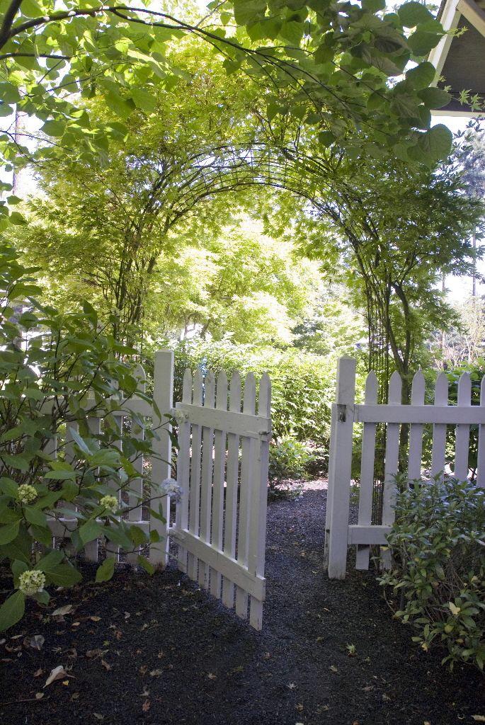 518 Best Beautiful Garden Gates Images On Pinterest 400 x 300