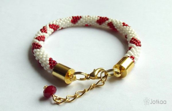 bead crochet/ heart