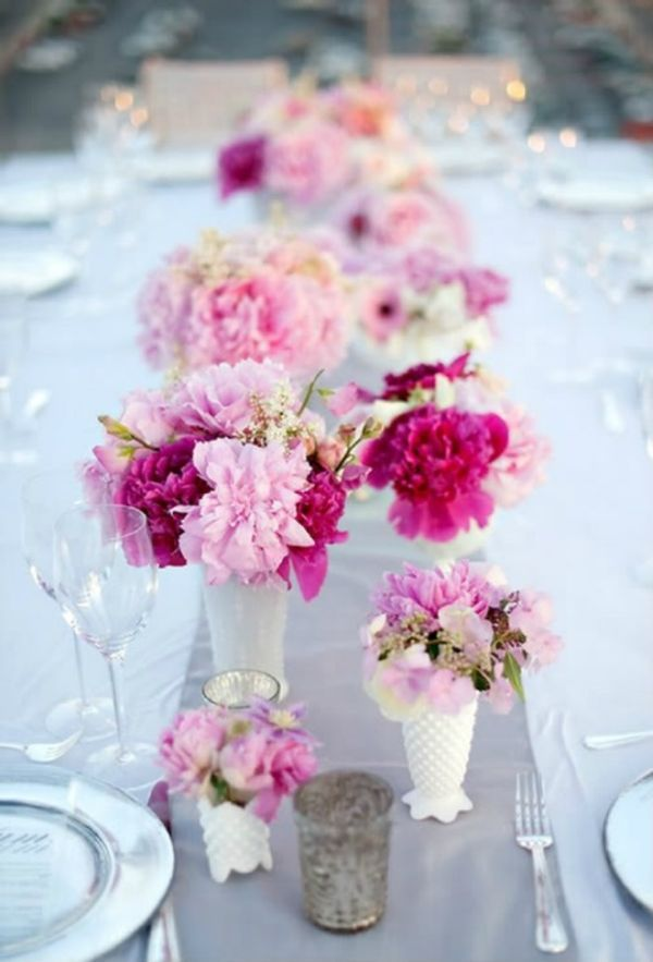 Fresh flowers Table Décor Ideas To Impress Your Guests