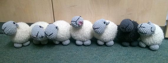 Sheep draught excluder/doorstop By Liz Ward – Amigurumi barmy Skill level: easy Time: 10-12 hours Size: 18 x 12 x 12cm per sheep Tension: Tension is not critical for this amigurumi Available in US and UK abbreviations This is an instant download PDF crochet pattern for Sheep