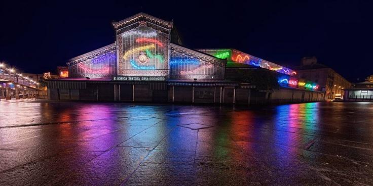Luci d'artista a #Torino: Amare le differenze, Michelangelo Pistoletto. #lucidartista