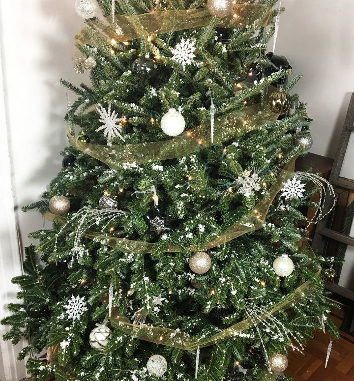 How To Flock A Christmas Tree Easy christmas ornaments