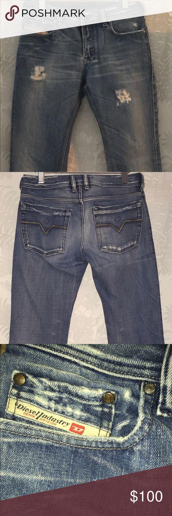 MEN'S DIESEL JEANS DIESEL:  Men's Size 31 distressed denim, Made in Italy Diesel Jeans Straight