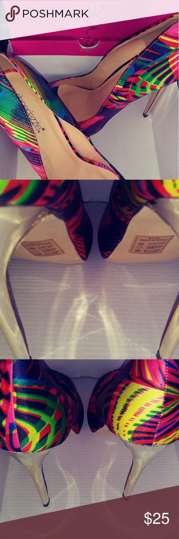 Shoedazzle womens high heels Beautiful shoe dazzle womens multi color high heels in size 10 new in box Shoe Dazzle Shoes Heels