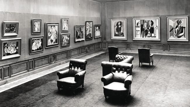 Anne Sinclair revisits Nazi looting of Paul Rosenberg's art gallery || The interior of the gallery at 21 rue La Boetie, with works by Picasso and Marie Laurenci