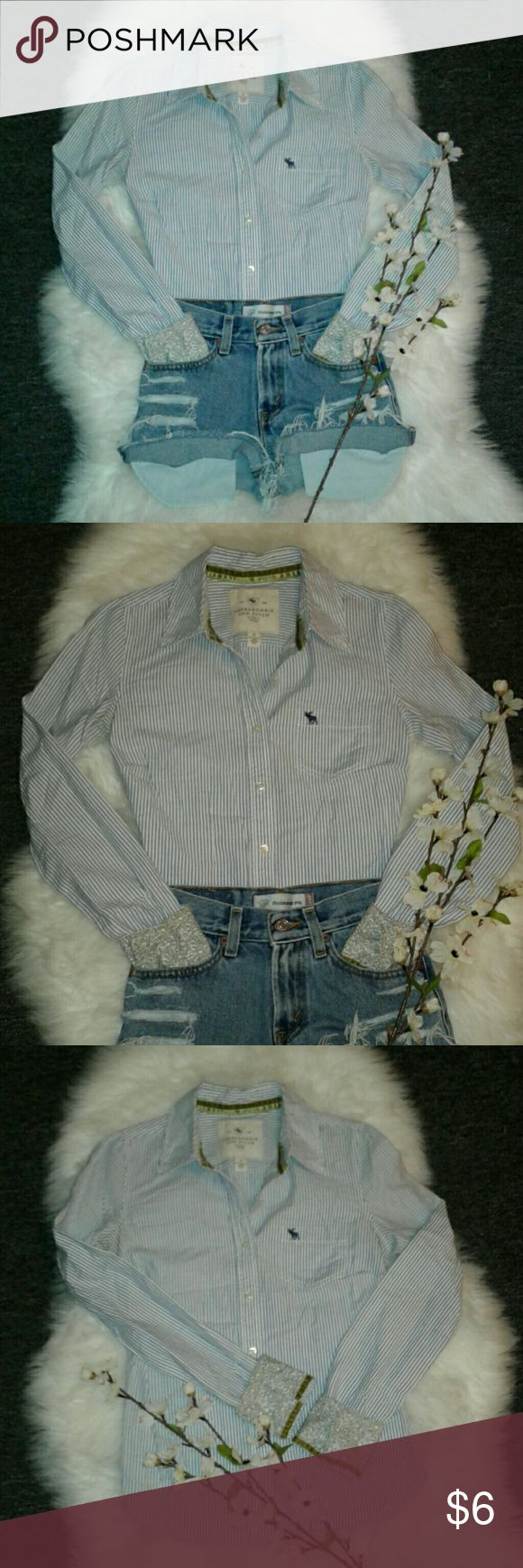 """A&F Pin Stripe Button Up Shirt Excellent condition  No flaws 100% cotton Bust: 20"""" (arm pit to arm pit) Length: 24.5"""" (shoulder to bottom hem) Abercrombie & Fitch Tops Button Down Shirts"""