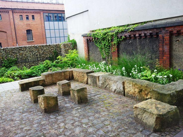 Das Dragonercarrée in Hannover List Vahrenwald: gemeinschaftlicher Außenbereich - aufgenommen vom Makler in Hannover: arthax-immobilien.de