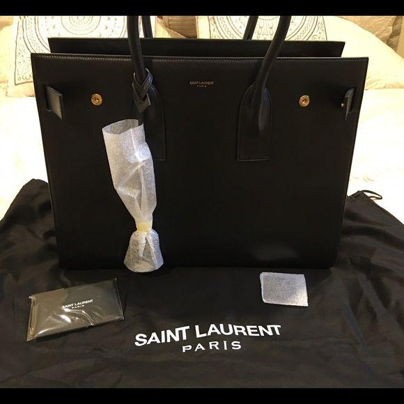 BNWT Large Saint Laurent Sac du Jour CarryallNWT RETAIL | Saint ...