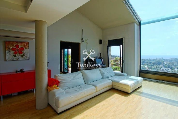 Detached villa for sale in Badalona, Barcelona (Mas-Ram) with 800 m2, 6 rooms and 5 bathrooms, swimming pool, garage, storage room, elevator and air conditioning.    More info >> http://qoo.ly/d29kv    🔑🔑 Opening your dreams | info@twokeys.es | ☎ 934 611 114