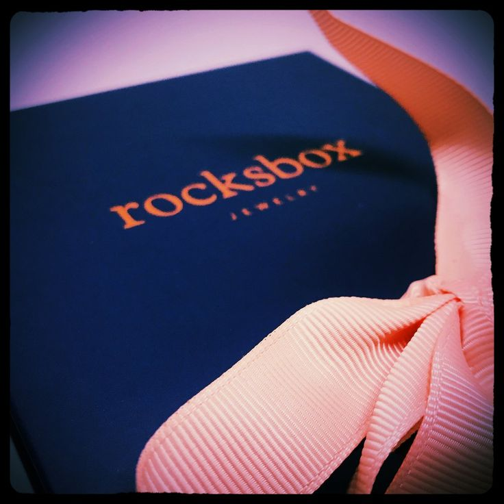Got my Free Rocksbox! Want to see what's inside? Click Here to Take a Peek! www.beautifullybombshell.com/bombshell-blog/rocksbox-jewelry-subscription-box-review?utm_content=buffer31e04&utm_medium=social&utm_source=pinterest.com&utm_campaign=buffer