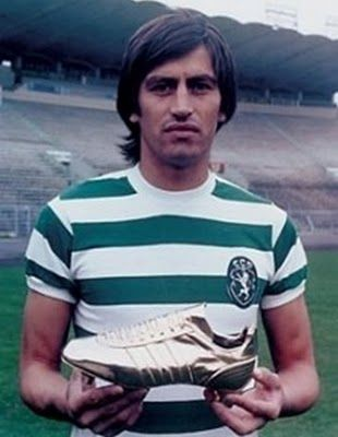 HECTOR YAZALDE, Sporting Clube de Portugal. Scored 42 goals in that championship, and was awarded the golden boot trophy for the best european striker